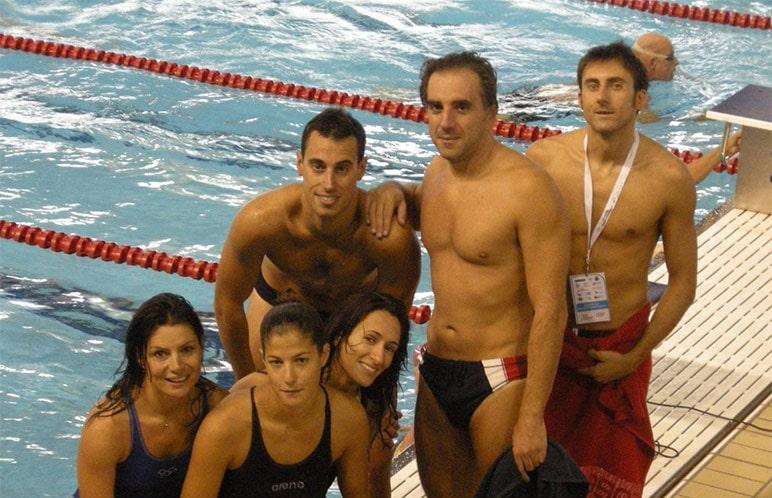 Foto di gruppo di una squdra di atleti master